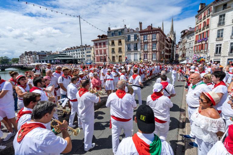 Fêtes de Bayonne 2019 : Défilé des géants et des bandas