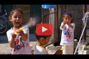 theo-cheval-video-2019-napoleon-trekking-nepal-holi-festival-pokhara